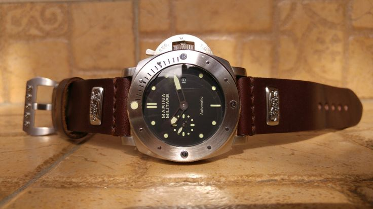 MM305 - with Buffalo strap & screw buckle