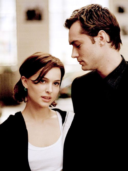 """Natalie Portman and Jude Law on the set of """"Closer"""", 2004"""