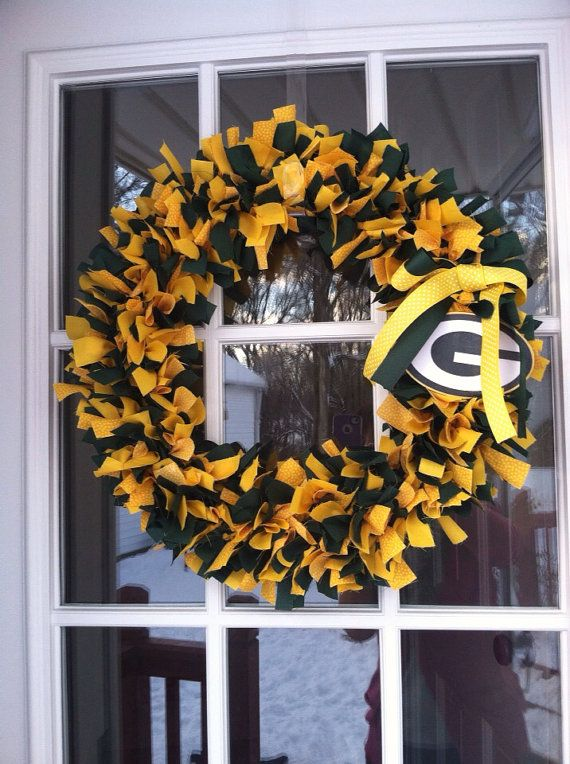 Made to order Green Bay packers wreath on Etsy, $40.00