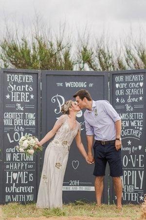 Un paravent personnalisé : Photobooth : 20 idées originales pour votre mariage - Journal des Femmes