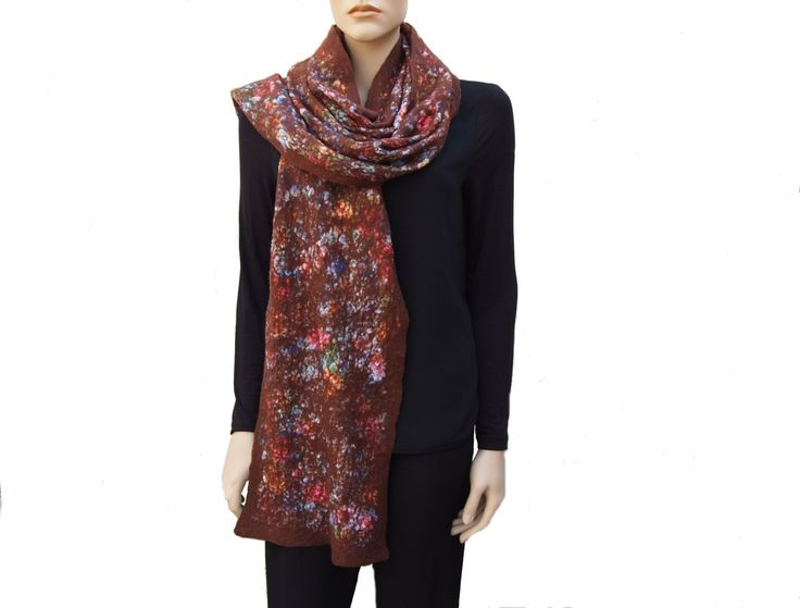 Brown scarf, Merino Wool, with a warm floral print, a special structure, soft, supple, warm, extra long and a nice present for her. door RiViDesign op Etsy