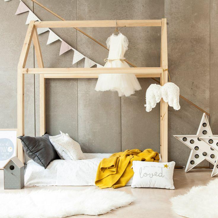 Cama casita de madera casa de madera camas y madera for Cama de casita