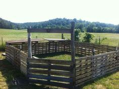 this is a cool idea for a paddock, round pen or dog pen