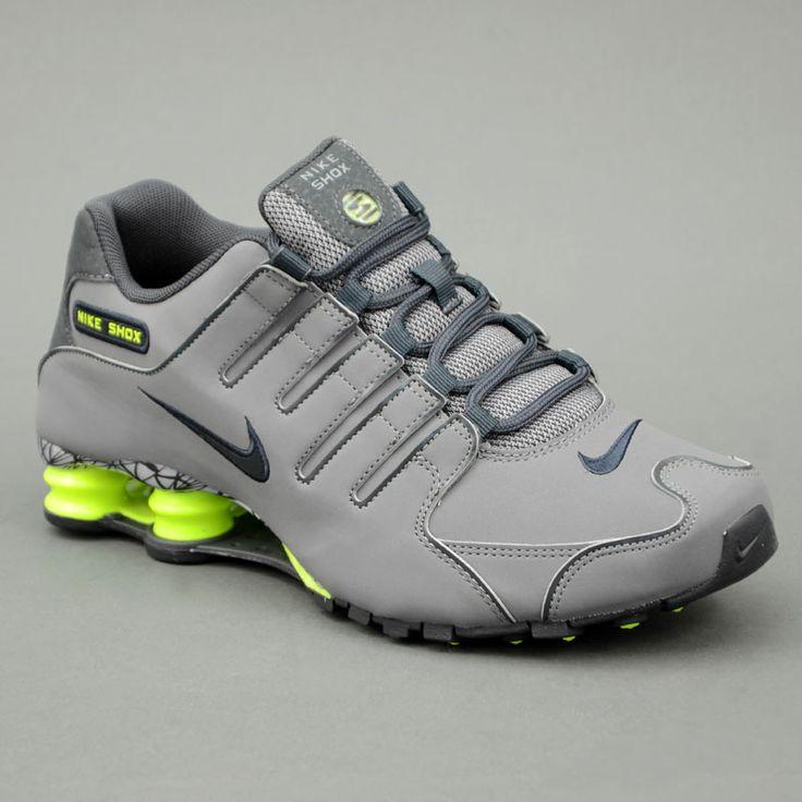 Nike NIKE SHOX NZ EU Grigio Scuro mod. 501524-015 in vendita su www.grandinettisport.com Prezzo € 159,00