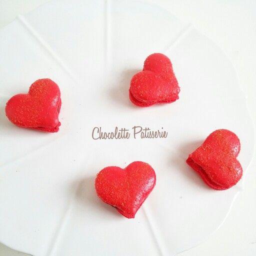 Love heart shaped macarons