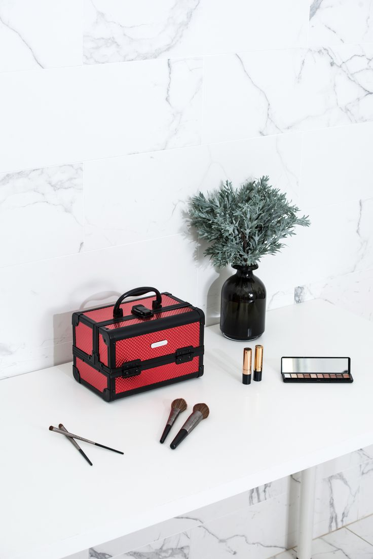 Red Diamond Professional Makeup Train Case with Mirror--Joligrace Travel makeup case with mirror Artis makeup case Makeup vanity with storage Makeup organizer with mirror Best makeup case Big makeup case Cheap makeup organizer Cosmetic train case Makeup case with brush holder Makeup organizer with drawers Makeup case with lock Makeup artist train case Portable makeup case