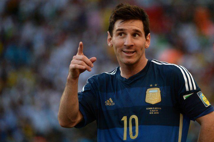 9. Lionel Messi, Argentina (Fútbol) – $12 millones. El delantero argentino, elegido como el mejor jugador de la pasada Copa Mundial de fútbol, es el único sudamericano que aparece en el rankin.