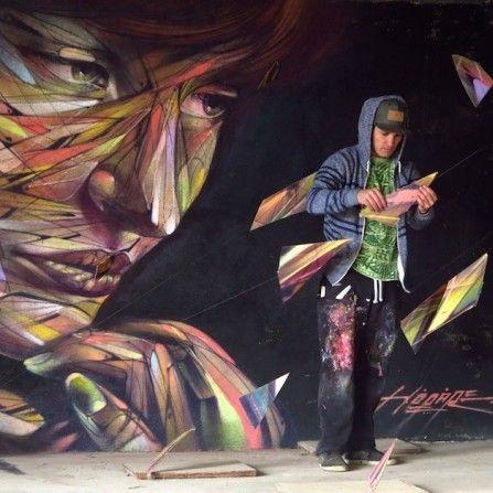Immersion dans la 3D avec l'installation «De la musique pour les yeux» de l'artiste Hopare à Paris. . Sauf erreur de ma part, il s'agit de la toute première installation publique réalisée par le jeune artiste parisien. Habitué à la mixité des styles, formes abstraites et portraits figuratifs, lignes fluides et fuyantes, «De la musique …