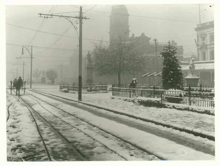 Sturt Street, Ballarat, during a snow storm, 1900.  Photographers: Richards & Co.,Ballarat. State Library of Victoria Image H19011.