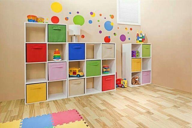 Cuarto de juegos, cajas juguetero, colores