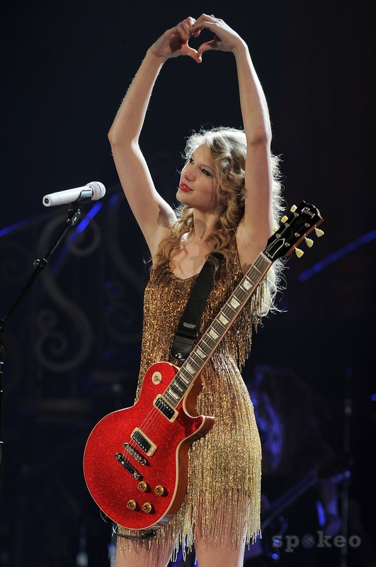 Taylor Swift performs during the 'Speak Now' tour at the Nationwide Center