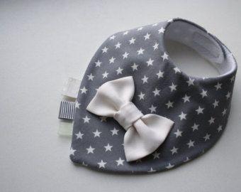 die besten 25 halstuch l tzchen ideen auf pinterest bandana latz muster babyl tzchen muster. Black Bedroom Furniture Sets. Home Design Ideas