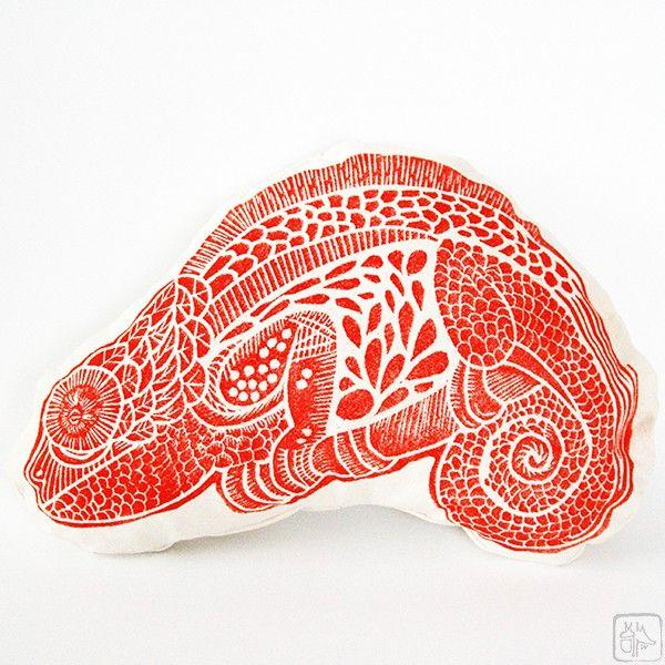 Coussin décoratif enfant - Caméléon rouge