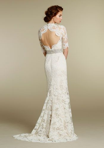 Beautiful Llong sleeved lace wedding dress (Jim Hjelm)