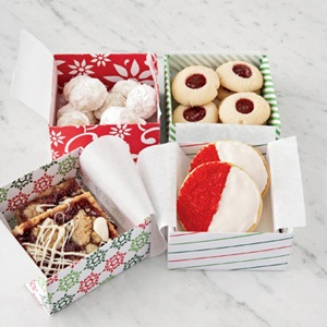 This site has a bunch of yummy cookie ideas to bake at Christmas time.