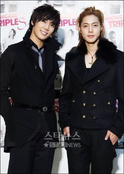 Kim Hyun Joong (right)
