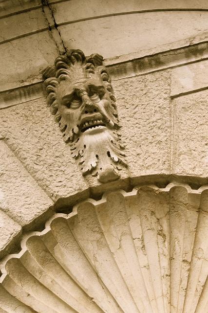 Miami // Vizcaya // Statues // Gardens: Toothsome Guardian Www.