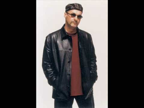 ▶ Paul Carrack - I Need You - YouTube  1982  Nice version by A Neville and Linda R later