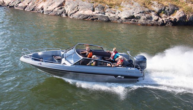 he new 64 BR is an all-round boat, suitable for day trips and fishing and can also be used as a tender.