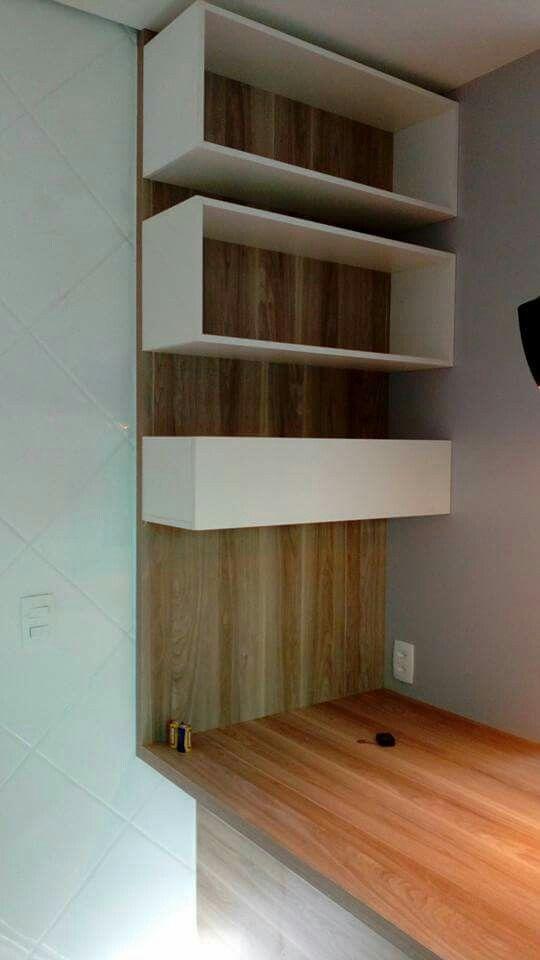 cozinha Pampulha cinza cristal com madeirado claro