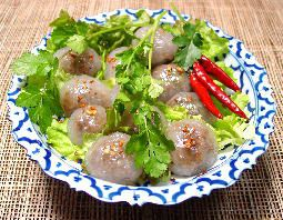 Steamed tapioca balls (sakoo sai moo) recipe