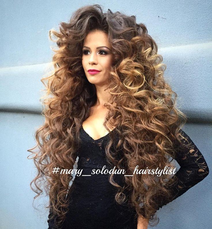 А что я вам хочу показать  сегодня вечером?  #АнриалКрасотку Иру с супер-объемными локонами ) Сразу скажу ➡️➡️ волосы у модели свои - дополнительных волос и подкладок нет!!! И секрет этой фантастической длины волос я тоже расспросила, но☝️ пообещала хранить эту тайну) Как думаете, сколько нужно времени чтоб отрастить такую длину? И какая длина волос на ваш взгляд идеальная?  Делитесь в комментах своим впечатлениями о нашей укладке, задавайте вопросы, не стесняйтесь... А самых акти...
