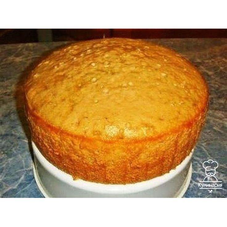 Лимонадный бисквит в мультиварке  Ингредиенты  Яйцо куриное - 4 штуки Мука пшеничная высшего сорта - 3 стакана Сахар - 1,5 стакана Сахар ванильный - 1 пачка Масло растительное (подсолнечное) - 1 стакан Лимонад - 1 стакан Разрыхлитель теста - 1 пакет  Приготовление  Этот превосходный бисквит советую использовать как основу практически для любого торта. Кремом бисквит пропитывается великолепно.  1. В чашку из-под миксера кладем сахар, яйца, ванильный сахар и разрыхлитель, взбиваем.  2. Не о...