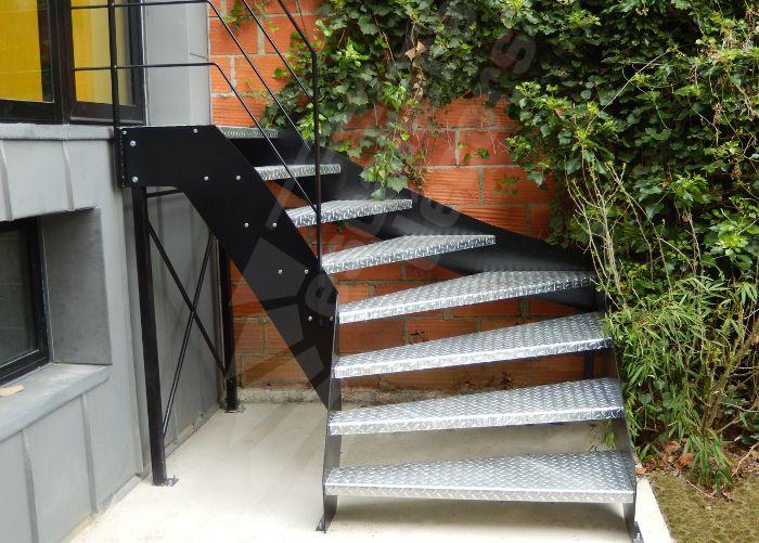 Photo dt109 esca 39 droit escalier ext rieur un quart for Escalier droit exterieur
