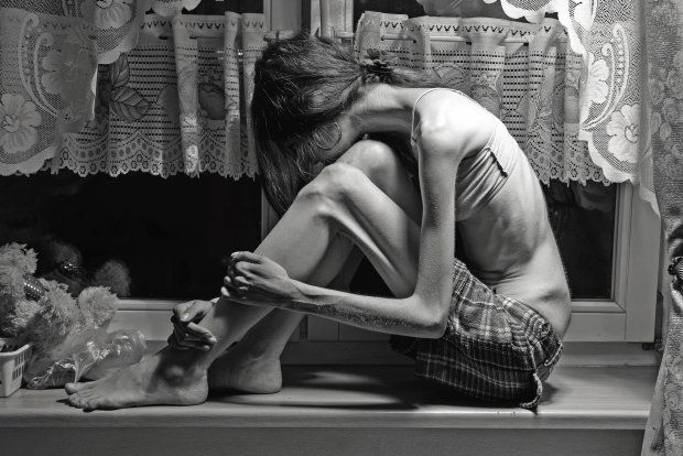 Druga twarz anoreksji. Kiedy w lustrze nie widzisz szkieletu Nigdy nie byliśmy ze sobą sam na sam. Zawsze była z nami anoreksja Rozmowa z Markiem Smularskim*