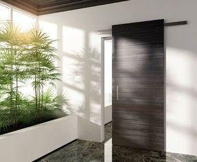 Nové posuvné dveře zavěšené na skryté liště.
