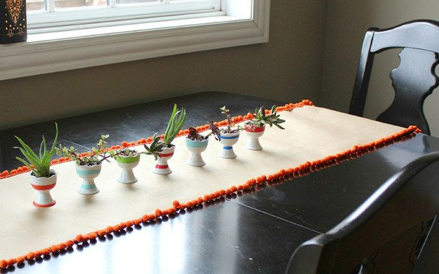 Pom Table Runner   36 Totally Easy DIY Projects To Try In 2016