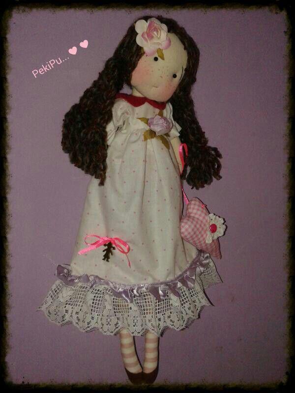 Linda muñeca hecha a mano....♡♡♡