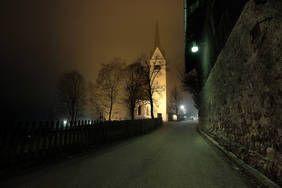 Die Kirche von Wald im Pinzgau bei herbstlicher Stimmung. Dieses und viele weitere Bilder können bei mir direkt oder in meinem Online-Shop bestellt werden.