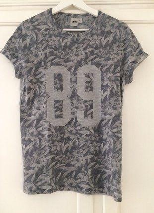 Kaufe meinen Artikel bei #Mamikreisel http://www.mamikreisel.de/kleidung-fur-jungs/kurzarmelige-t-shirts/36223176-t-shirt-mit-schwarz-weiss-print-von-asos-mit-blumenmuster