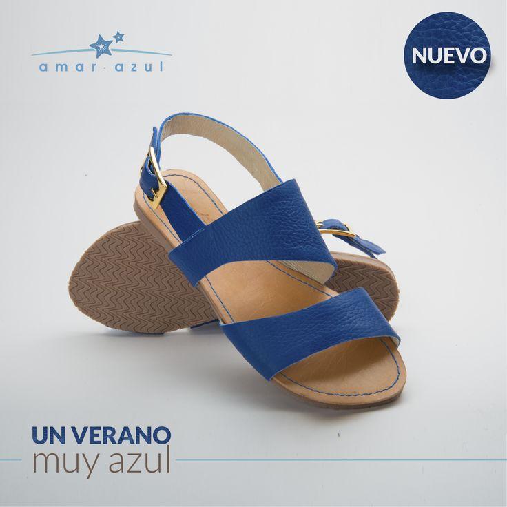 comodidad al #Caminar y vivir un verano #Inolvidable y muy Amar azul swimwear con nuestras #Sandalias en un tono azul eléctrico son 100% cuero y #HechoEnColombia