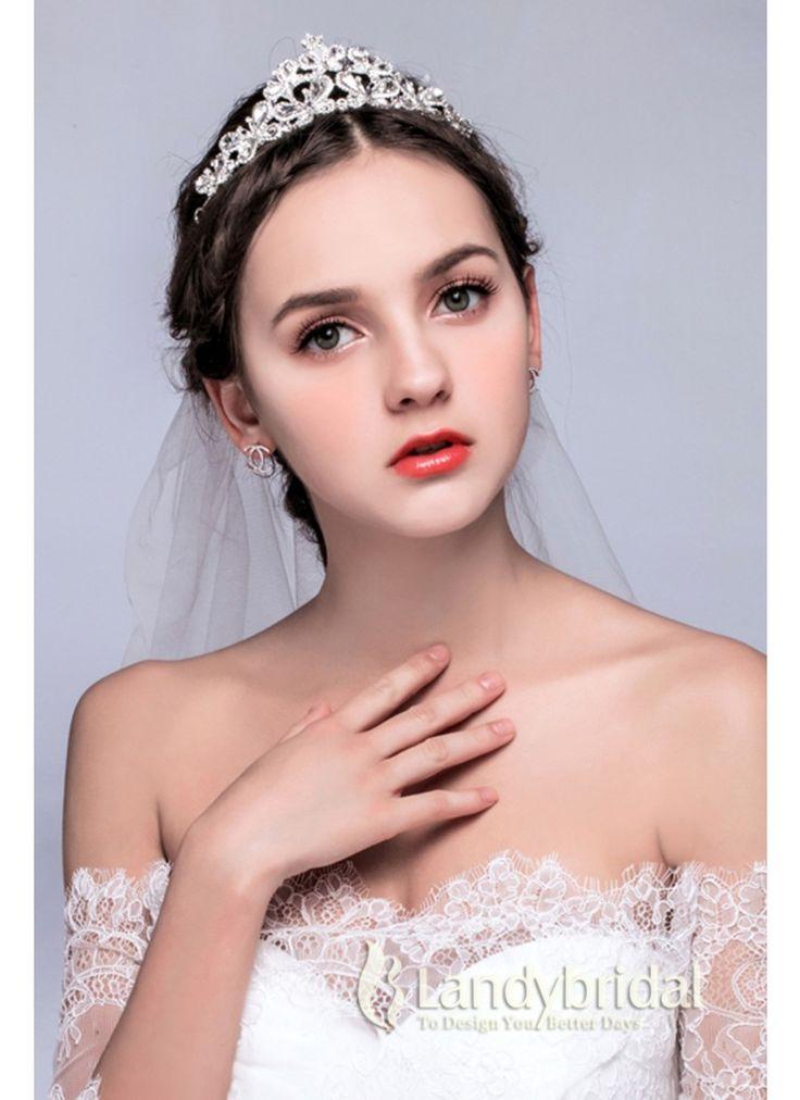 ティアラ 蝶っぱ飾り ウェディング小物 アクセサリー 結婚式 花嫁 JJ0015006 価格 ¥4,860