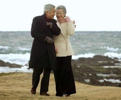 ・the Emperor and Empress of Japan. Lovely photo