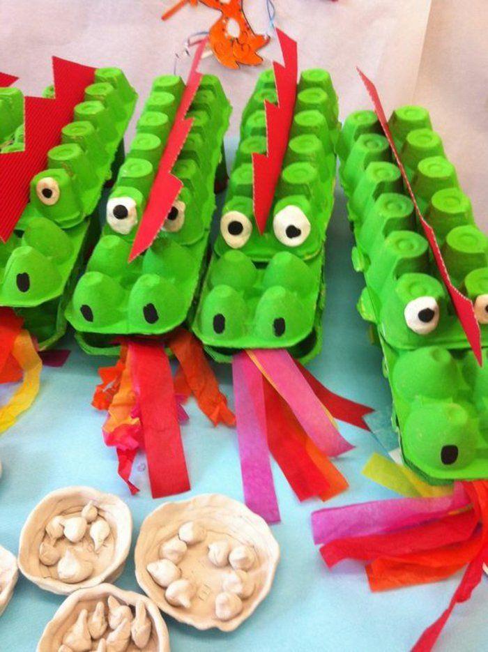 bricolage-avec-carton-d'oeufs-crocodiles-verts-en-boîtes-de-carton-à-oeufs