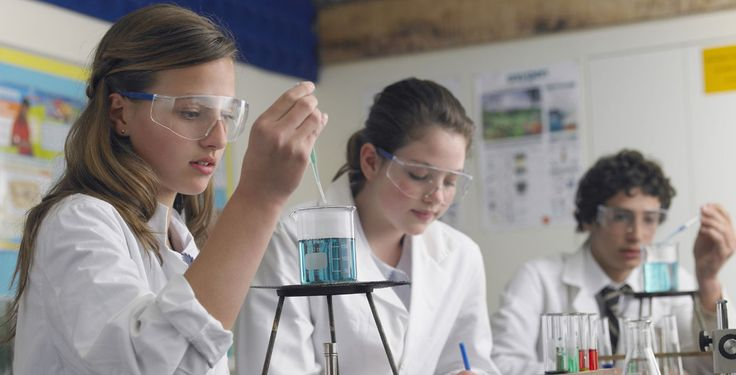 """""""Jugend forscht"""" trotzt den PISA-Ergebnissen - Der Nachwuchswettbewerb Jugend forscht geht in die 52. Runde. Noch nie nahmen so viele junge Forscherinnen teil."""