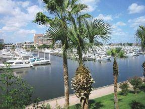 Incredible Waterviews, apartment homes in an exclusive are of South Shore Harbor near Kemah! New gym with Jacob's Ladder, towel cooler, Starbucks coffee bar, social clubroom, and breathtaking views of the water and marina. Call Kathy Curtis at AptExpert.com 281-842-7965 for price and availability - reduced prices and specials going on now for a limited time!
