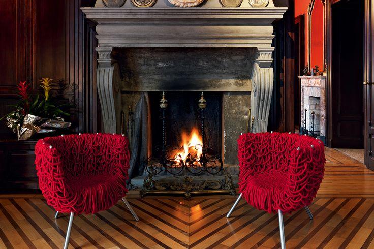 Com quase 500m de fios, a cadeira vermelha dos irmão Campana foi pensada em 1993.