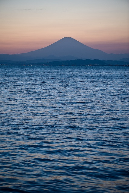 Mt. Fuji sunset from Enoshima, Japan 江ノ島からの富士山