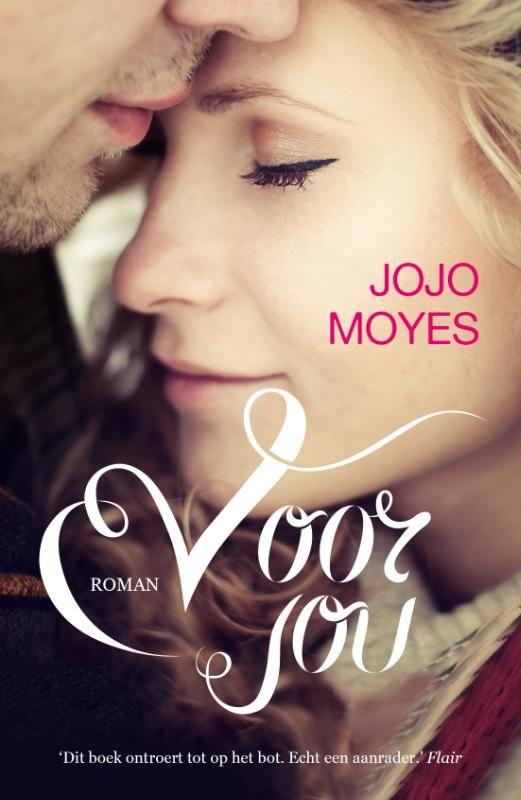 'Voor jou' van Jojo Moyes is een roman die alle harten verovert: het boek voert wereldwijd de bestsellerlijsten aan en ging 3 miljoen keer over de toonbank. #boeken #boekaccessoires