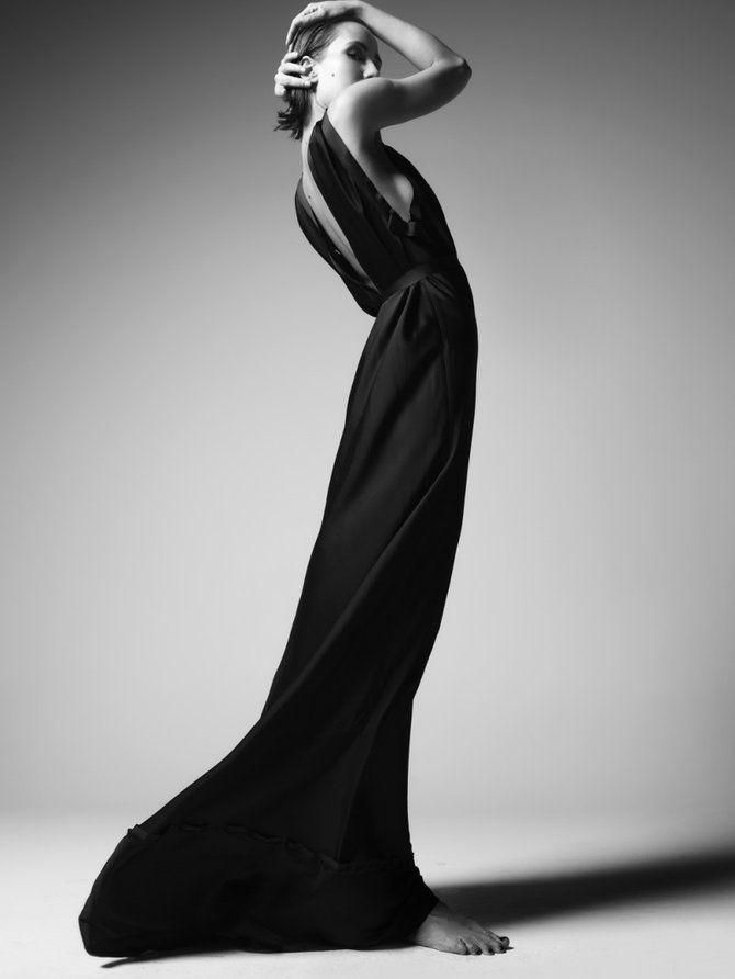silhouette: Long Dresses, Long Black Dresses, Maxi Dresses, High Fashion Photography, Style, Black And White, White Fashion, Black White, Vogue Brazil