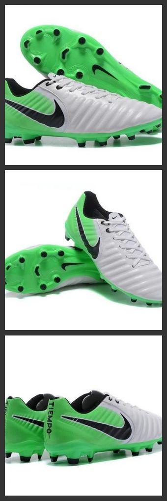 Nike Tiempo Legend 7 FG Scarpe da calcio Uomo Verde Nero. Le Nike Tiempo Legend VII per terreni compatti sono scarpe da calcio per uomo che offrono un comfort imbattibile, un ottimo tocco e controllo per un gioco potente.