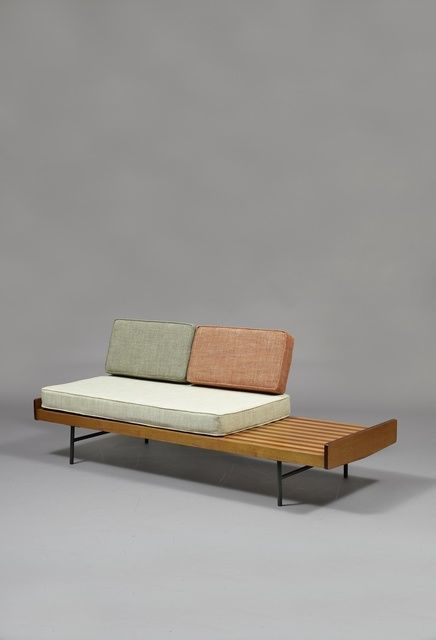 Pierre Paulin, Sofa 119 - Meubles TV edition (1953), Lacquered metal, oak, roaswood, foam and fabric, 42 × 195 × 70 cm