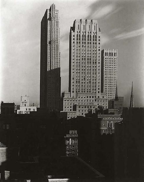 Alfred STIEGLITZ :: New York from The Shelton [west], 1935