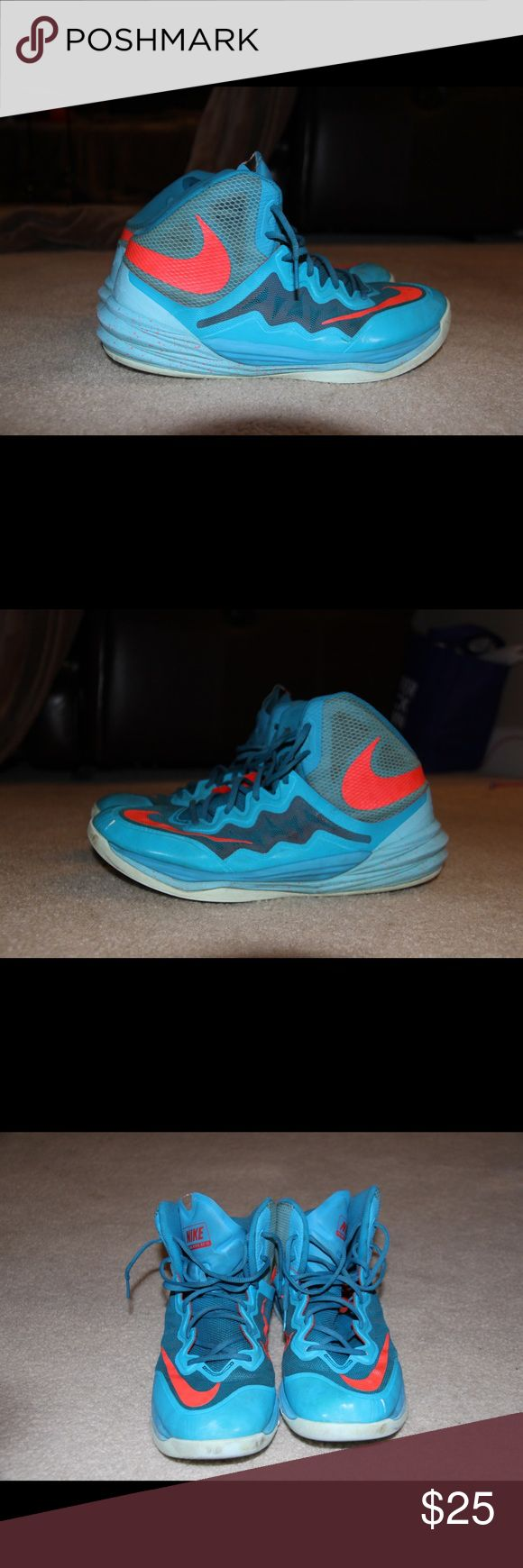 Nike basketball shoes Nike Hype df ii light blues. High top basketball shoe. Original insoles and laces. Shoes are in good condition. With minimum scuffing on bottoms. Toe and heel has few light scratches. Teal and Light blue colorway. Shoes has no odor and kept in a smoke free environment. Condition: 7/10 Nike Shoes Athletic Shoes