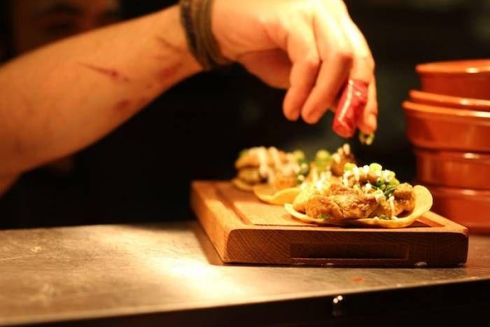 Chefs buscan evitar que se evapore la cocina tradicional mexicana
