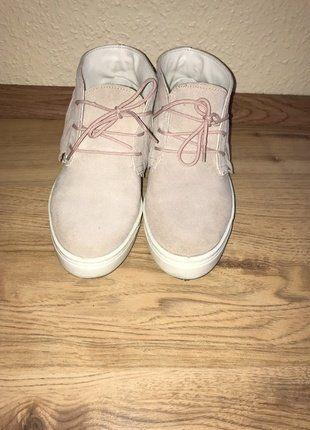 Kaufe meinen Artikel bei #Kleiderkreisel http://www.kleiderkreisel.de/damenschuhe/halbschuhe/148601440-hohe-sneaker-aus-veloursleder-von-asos